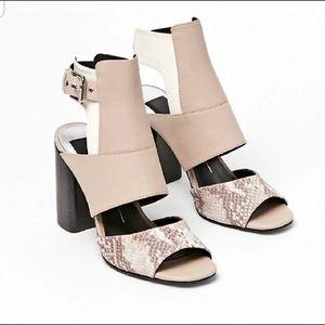 Dolce Vita Romeo Leather Snakeskin Heel 6.5